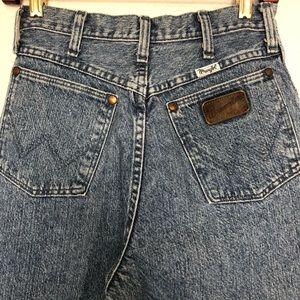Vintage Wrangler Riata High Rise Wedgie Fit Jean
